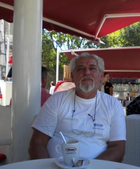 László, 65 éves társkereső, Dunaújváros (2863846)