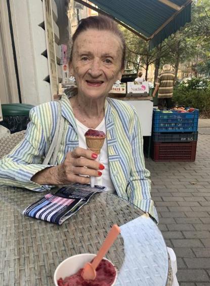 Lia, 71 éves társkereső, Budapest (2867200)